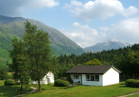 Tranquil holiday cottages set in magnificent mountain scenery at the foot of Ben Nevis in the Scottish Highlands; purpose built with every comfort,...