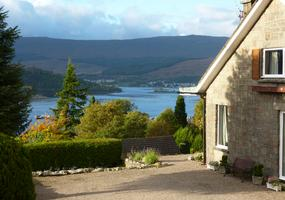 St Anthonysis a quiet, comfortable Fort William Bed & Breakfast situated in the middle of town in an elevated position giving lovely views ov...