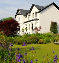 A superb, secluded Guest House with it's own extensive gardens and elevated views overlooking Loch Linnhe. This lovingly restored Victorian villa i...