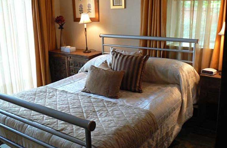 Feature bedroom023