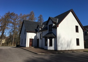 Self catering accommodation situated at Nevis Bridge, Glen Nevis, Fort William. Nevis Croft Cottages are situated near Nevis Bridge - just half a m...