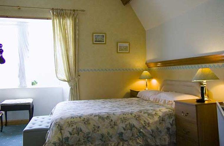 Feature bedroom7220