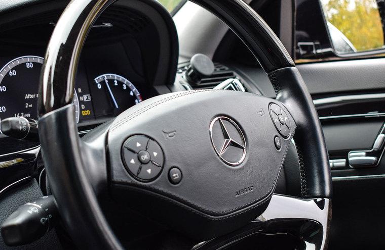 Feature mercedes interior