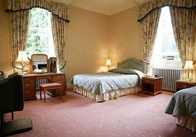 Glengarry Castle Hotel is a comfortable country house hotel with a jewel of a setting on the shores of Loch Oich, which lies between Loch Ness and ...