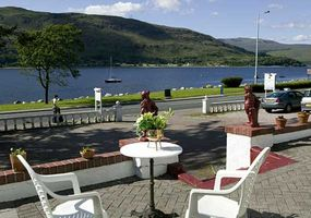 "Located on Fort William's ""Golden Mile"" - a lovely loch-side approach to Fort William, Chenderoh Guesthouse welcomes couples and adults looking for..."
