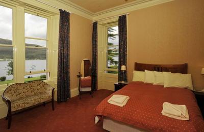 Medium bedroom4