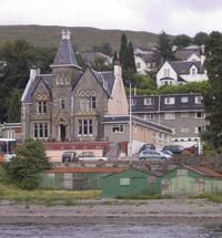 With superb lochside views and a short distance to Fort William town centre, the Cruachan Hotel is a good choice as an affordable hotel if you are ...