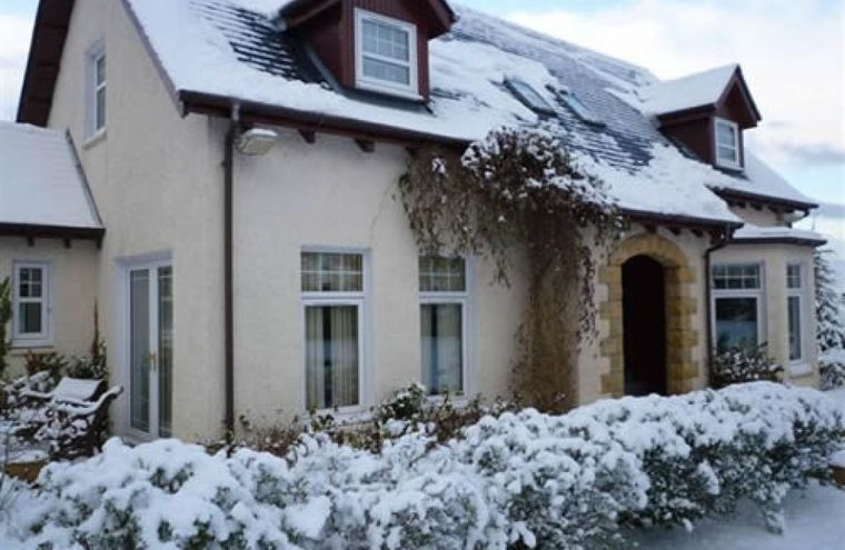 Feature dalcirag house in winter