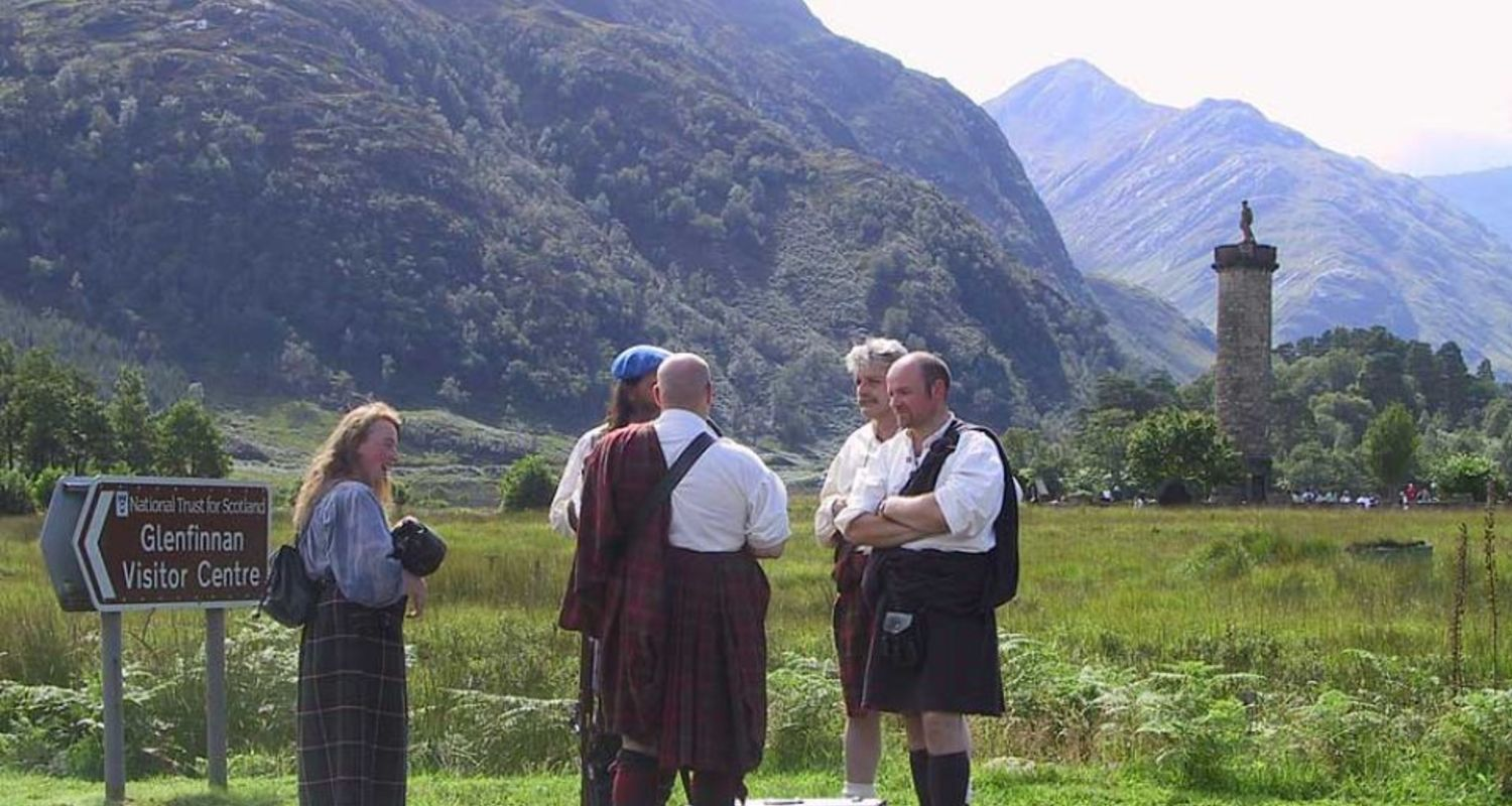 Clansmen at Glenfinnan
