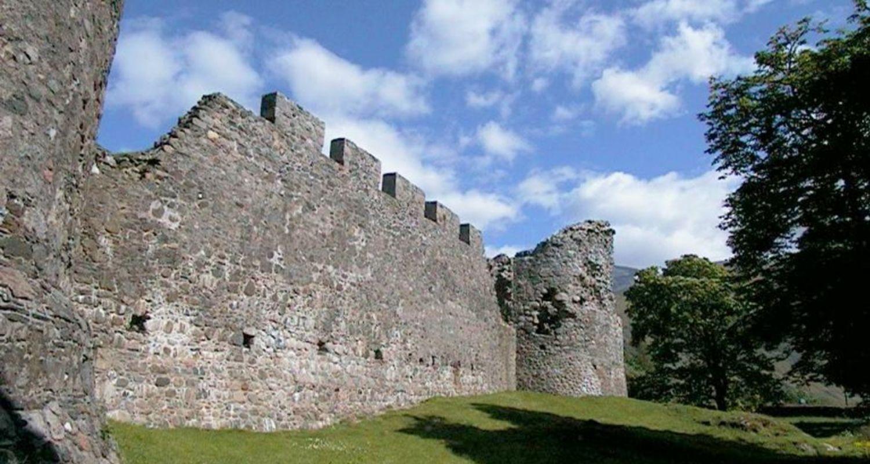 Castle ruins, Fort William