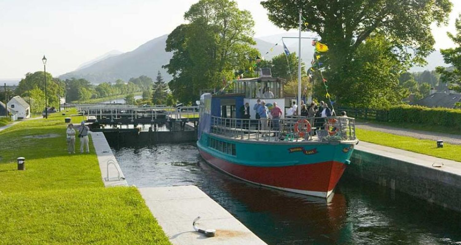A Cruise on the Caledonian Canal