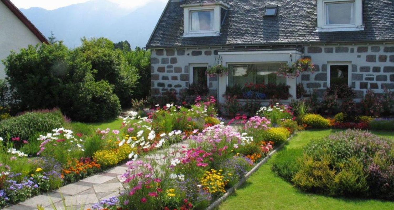 A pretty Glencoe cottage