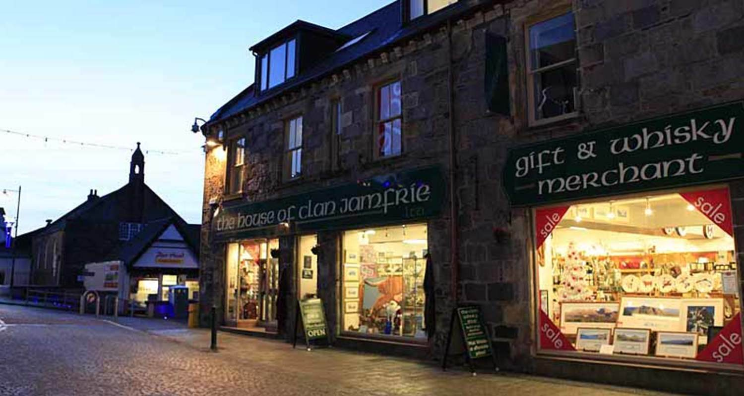 Fort William late night shopping