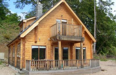 Medium log house 012