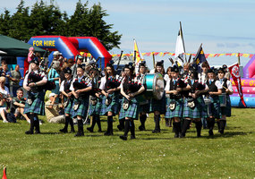 Listing pipe band1